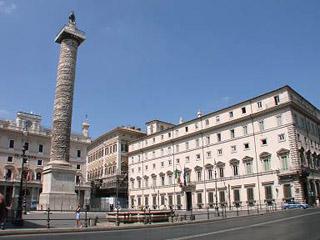 Piazza Colonna (roma.andreapollett.com)