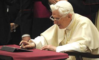 ansa - valeria braghieri - POPE: FIRST TWEET